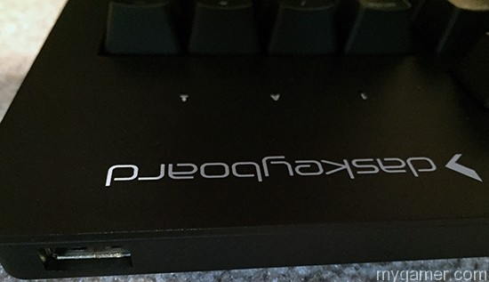 Das Keyboard Prime 13 has one USB pass through port Das Keyboard Prime 13 Review Das Keyboard Prime 13 Review Das Keyboard Prime13 USB Slot